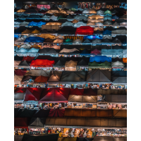 Bangkok Nachtmarkt Hochformat